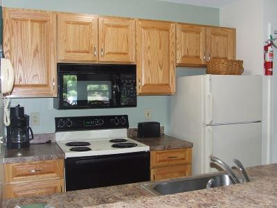 Woodstock Condo/Townhouse For Sale: 156 Deer Park Dr 132a Drive #132A