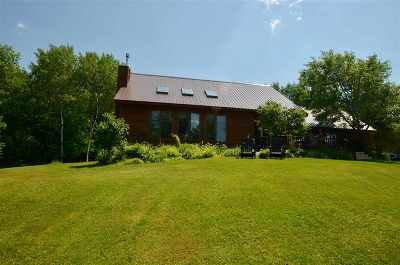 Wolcott Single Family Home For Sale: 145 Overlook Hill Road
