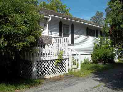 Poultney Single Family Home For Sale: 569 East Main Street