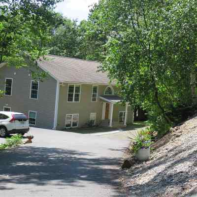Gilford NH Single Family Home Active Under Contract: $279,000