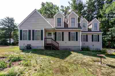 Salem Single Family Home For Sale: 8 Town Farm Road