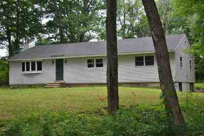 Pembroke Single Family Home For Sale: 210 5th Range Road