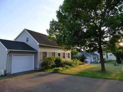 Milton Single Family Home For Sale: 15 Fox Run Lane