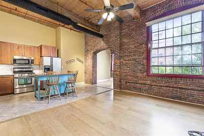 Manchester Condo/Townhouse Active Under Contract: 470 Silver Street #404