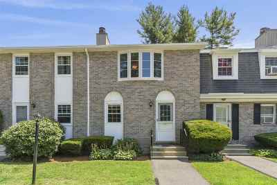 Londonderry Condo/Townhouse For Sale: 88 Fieldstone Drive