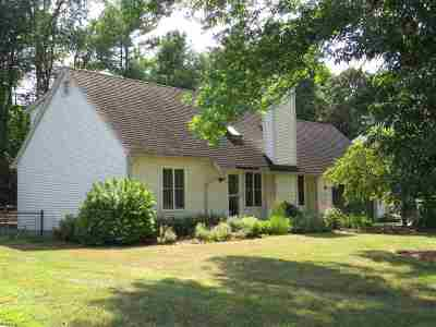 Colchester Single Family Home For Sale: 16 Field Green Drive