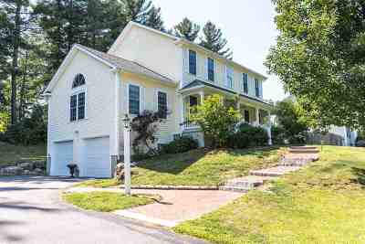 Bedford Single Family Home For Sale: 56 Greenfield Parkway