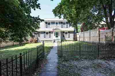 Manchester Single Family Home For Sale: 58 North Adams Street