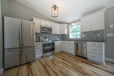 Londonderry Single Family Home For Sale: 1 Winthrop Road