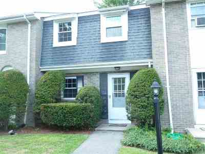 Londonderry Condo/Townhouse For Sale: 11 Fieldstone Drive