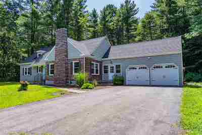 Bedford Single Family Home For Sale: 2 Strawberry Hill Road
