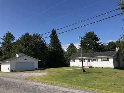 Hyde Park Single Family Home For Sale: 723 Center Road