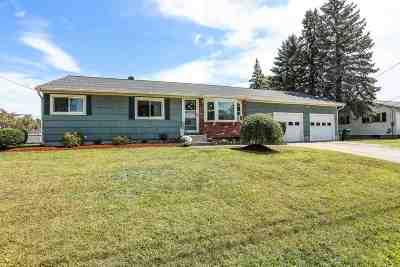 Nashua Single Family Home Active Under Contract: 12 Fox Meadow Road