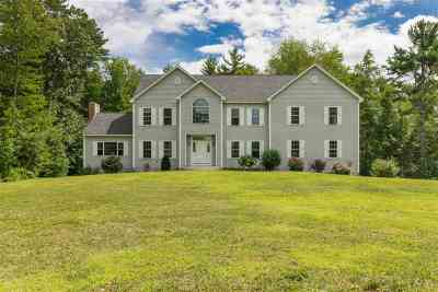 Exeter Single Family Home For Sale: 73 Old Town Farm Road