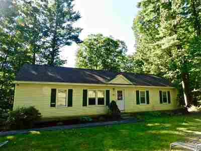 Bedford Single Family Home For Sale: 392 New Boston Road