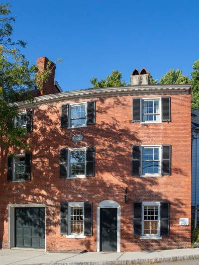 Exeter Single Family Home For Sale: 8 High Street