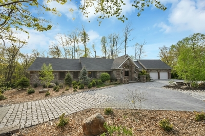 Montvale Boro Single Family Home For Sale: 60 Spring Valley Rd