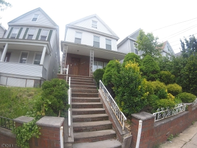 Elizabeth City Multi Family Home For Sale: 1012 A Louisa St,