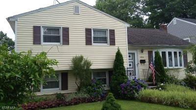 Union Twp. Single Family Home For Sale: 1834 Vauxhall Rd