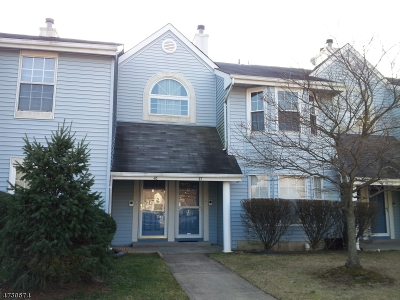 South Brunswick Twp. Condo/Townhouse For Sale: 47 Tanglewood Ct #47
