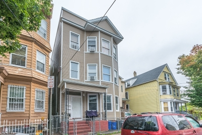 Newark City Multi Family Home For Sale: 231 North 4th St