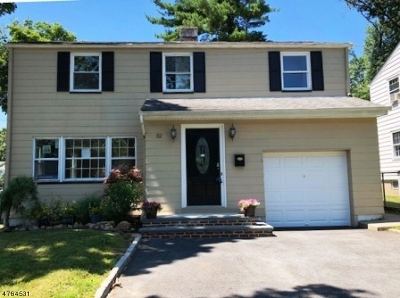 Livingston Twp. Single Family Home For Sale: 32 E Harrison Pl
