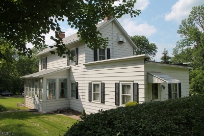 Holland Twp. Single Family Home For Sale: 1010 Milford-Warren Glen Rd