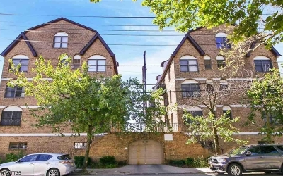 Condo/Townhouse For Sale: 63-69 Rome St