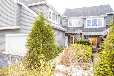 Wyckoff Twp. Condo/Townhouse For Sale: 126 Brewster Rd