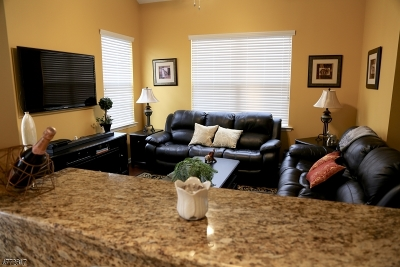 Hanover Condo/Townhouse For Sale: 1608 Brook Hollow Dr