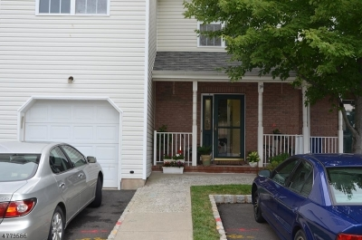 Piscataway Twp. Condo/Townhouse For Sale: 34 E Burgess Dr