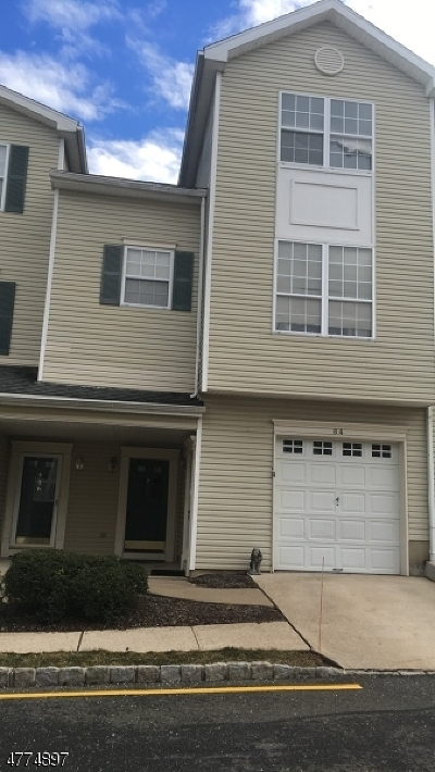 Morristown Town, Morris Twp. Condo/Townhouse For Sale: 84 Wildflower Ln