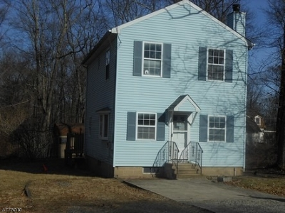Mount Olive Twp. Single Family Home For Sale: 4 Colonial Rd