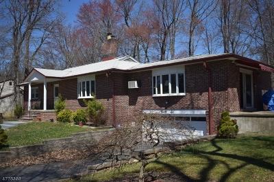Single Family Home For Sale: 96 Konner Ave