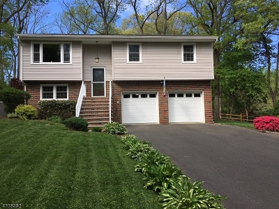 Long Hill Twp Single Family Home For Sale: 33 Lacey Ave