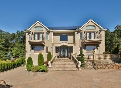 Totowa Boro Single Family Home For Sale: 37 Mountainwood Ct