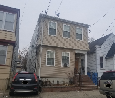 North Newark Multi Family Home For Sale: 668 4th St