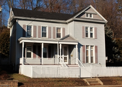 Clinton Town Single Family Home For Sale: 28 W Main St