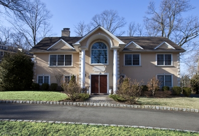 Springfield Single Family Home For Sale: 26 Green Hill Rd