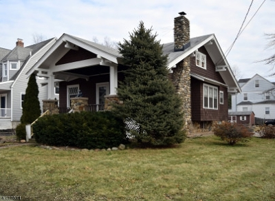 Madison Single Family Home For Sale: 43 Greenwood Ave
