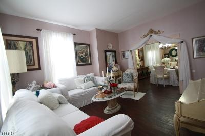 Flemington Boro Condo/Townhouse For Sale: 32 Park Ave