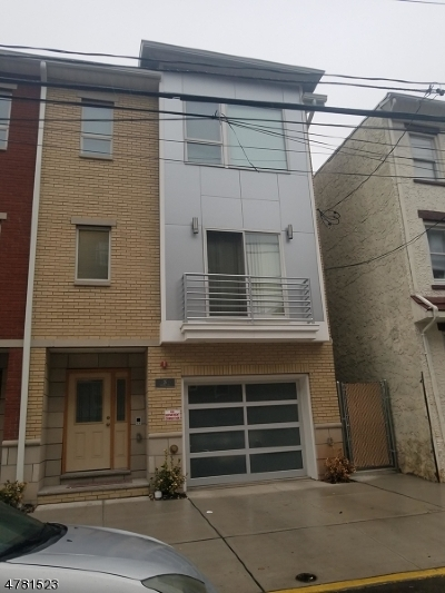 Ironbound Multi Family Home For Sale: 26 Oxford St