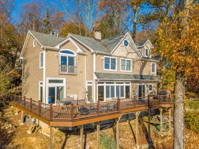 Denville Twp. Single Family Home For Sale: 130 Cedar Lk W