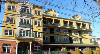 Elizabeth City Condo/Townhouse For Sale: 201-211 W Jersey