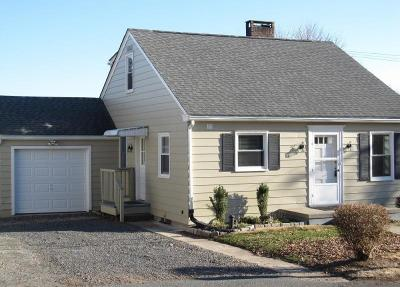 Frenchtown Boro Single Family Home For Sale: 20-B Everittstown Rd