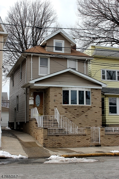 Kearny Town Single Family Home For Sale: 189 Brighton Ave