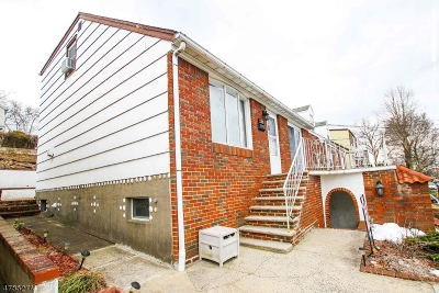 Kearny Town Single Family Home For Sale: 28 Park Pl