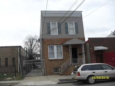 Newark City Multi Family Home For Sale: 372 N 5th St