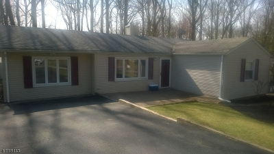 Denville Twp. Single Family Home For Sale: 51 Memory Ln