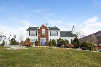 Warren County Single Family Home For Sale: 6 Stone Hedge Rd